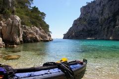 kayak de mer dans la calanques d'en vau