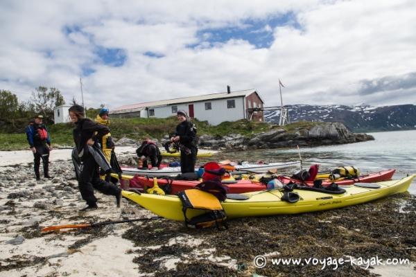 voyage en kayak de mer en norvege dans les fjords autour de tromso plus de 70 nord. Black Bedroom Furniture Sets. Home Design Ideas